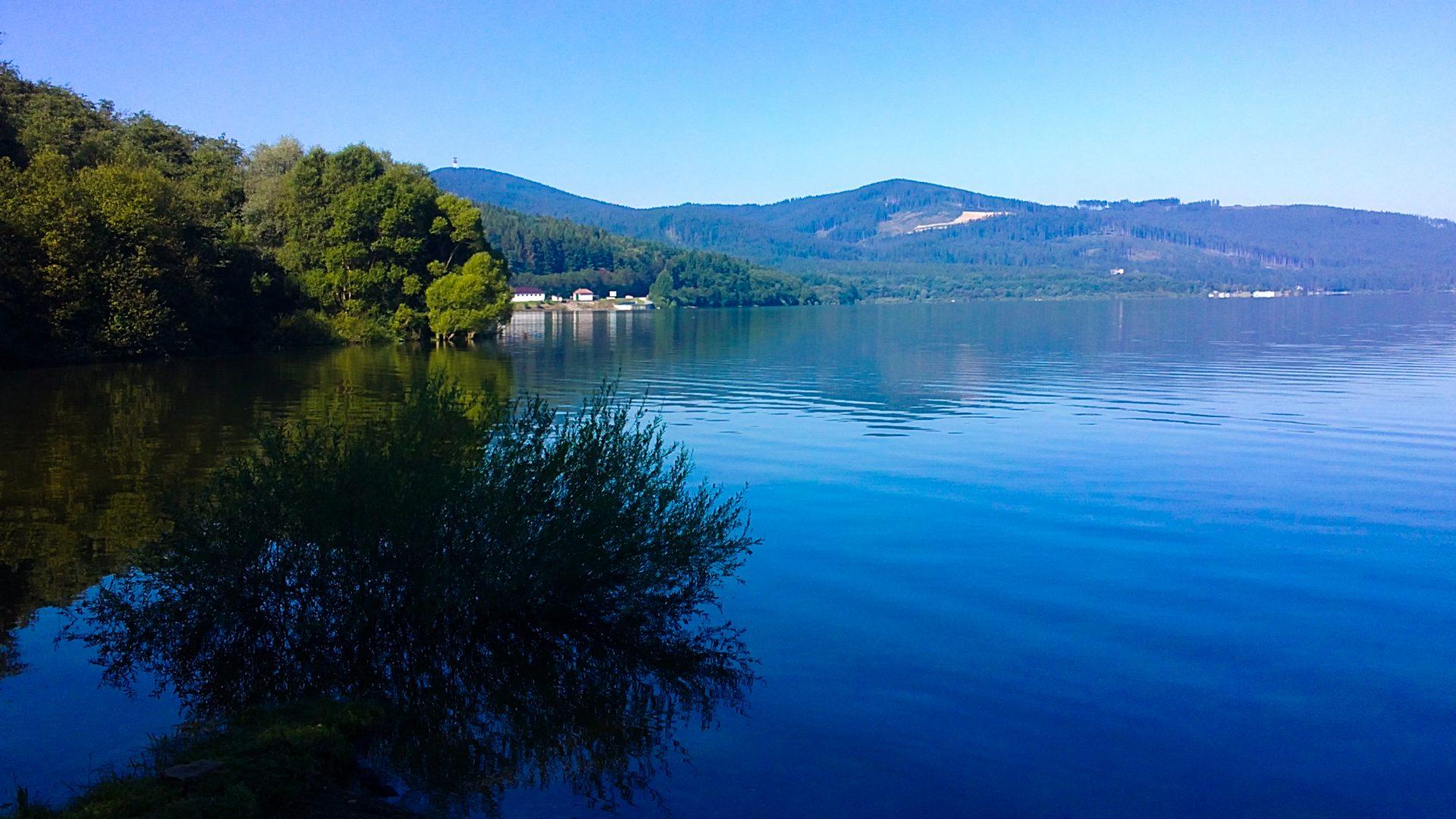 oravska_priehrada_rano__panorama