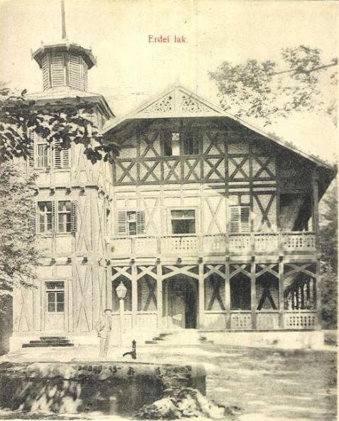 budova-kupelov-herlany